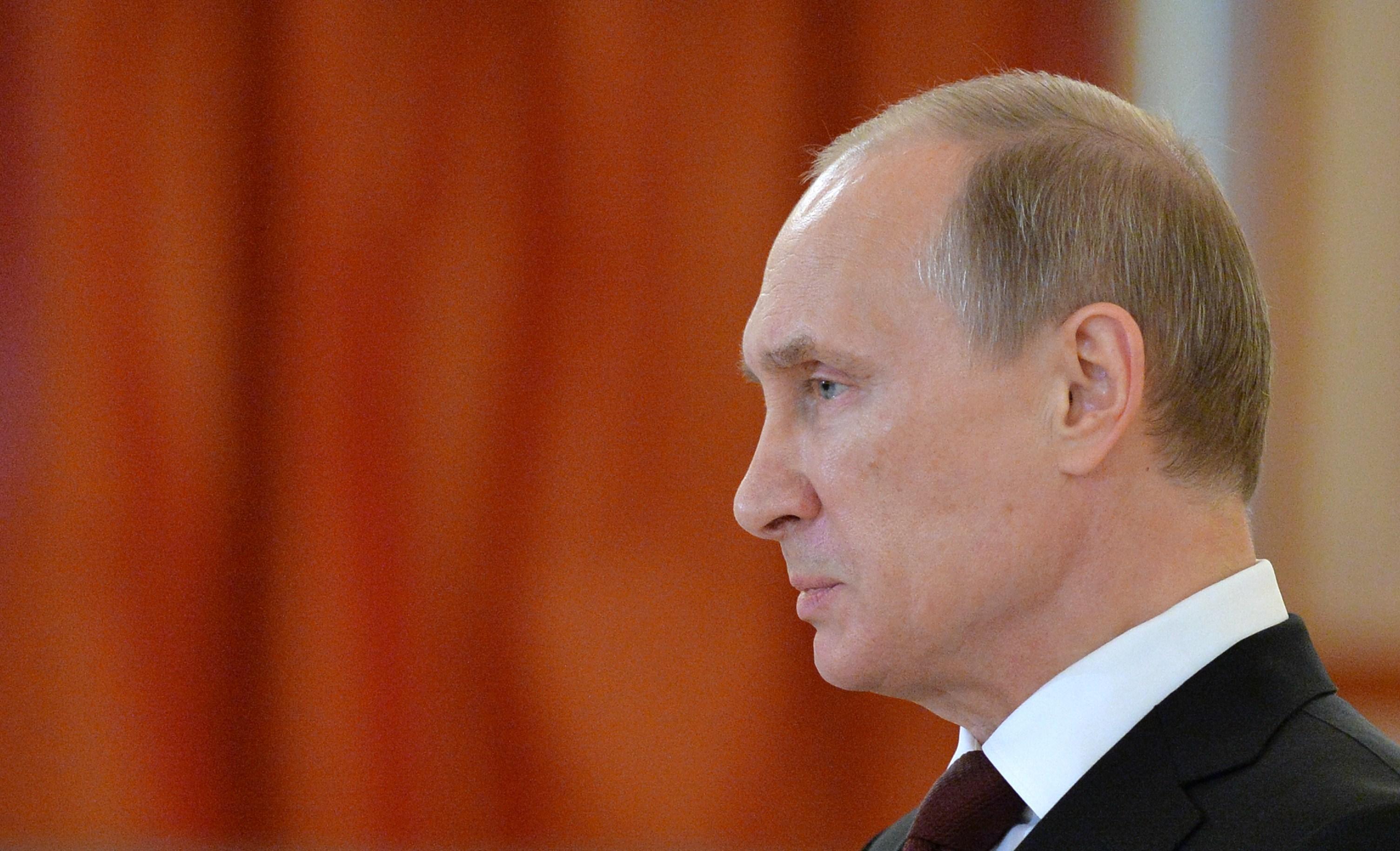 Фото Путина в профиль