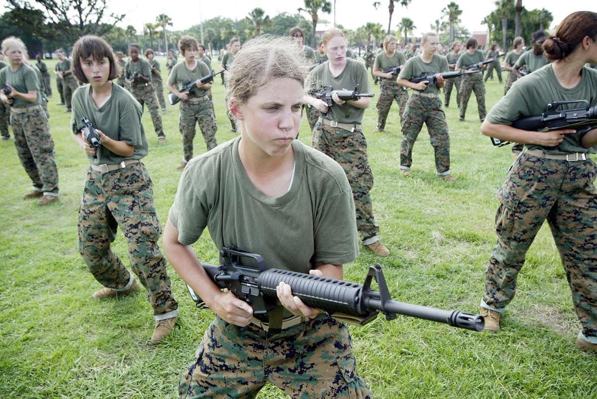 females in the united states military essay